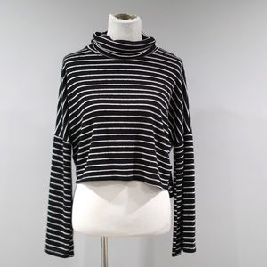 BP Cropped Turtleneck Sweater Womens Small